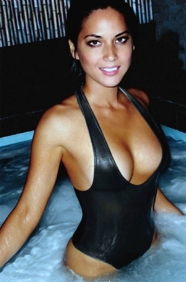 Olivia-Munn-in-a-Bikini.jpg