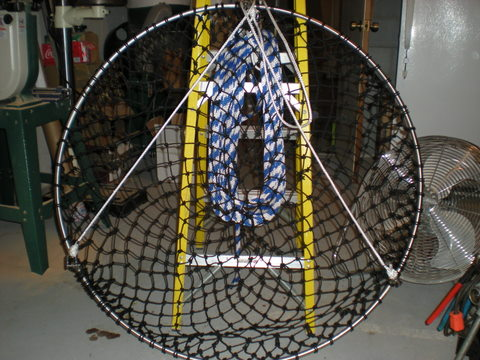Hoop for a bridge pier net for Drop net fishing