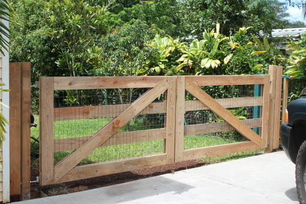 how to build a gate in the forest