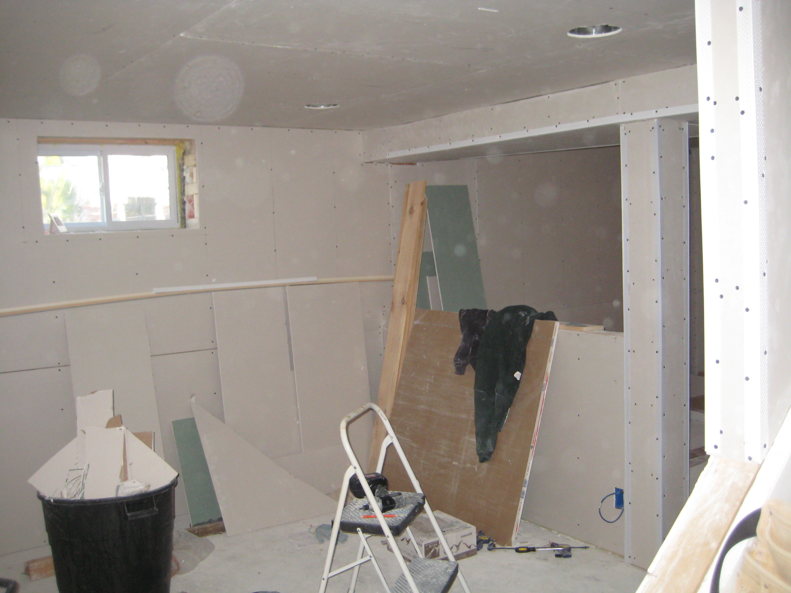 4 inch crown molding - Posted Image