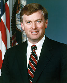 File source: http://commons.wikimedia.org/wiki/File:Dan_Quayle,_official_DoD_photo.JPEG