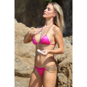 Joanna-Krupa-and-Marta-Krupa-Santa-Monica-Bikini-Shoot-2012-05.jpg