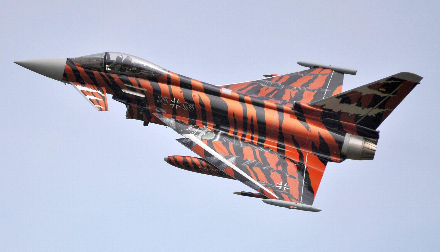 Eurofighter Typhoon 1.jpg