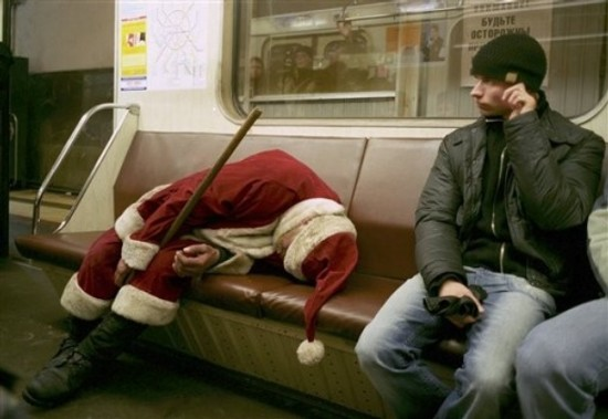 drunk-santa-pictures-18.jpg