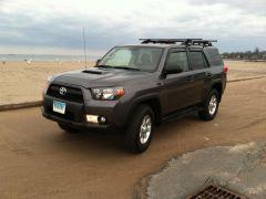 Toyota 4 Runner Trail vs. Jeep Trailhawk V6