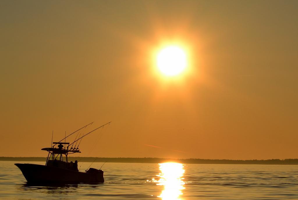 sunsetboat33772_zpsc6b26416.jpg