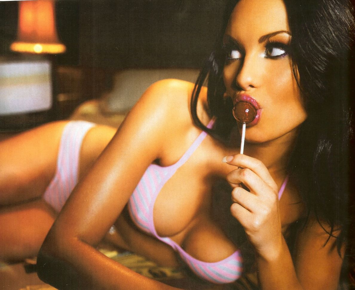Jessica-Jane-Clement-i138998.jpeg