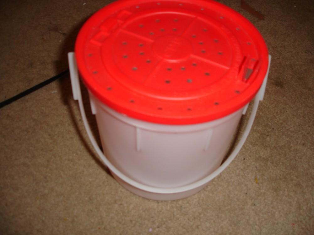 eel bucket