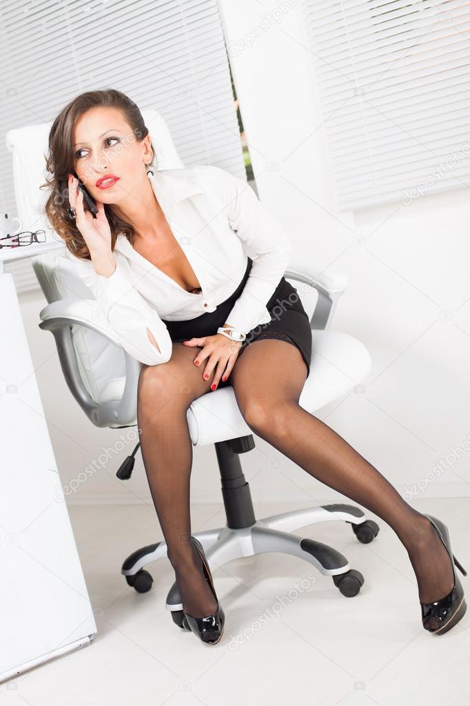 depositphotos_45325809-stock-photo-hot-business-woman.jpg
