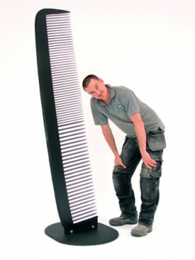 giant_hair_comb_prop_01.jpg