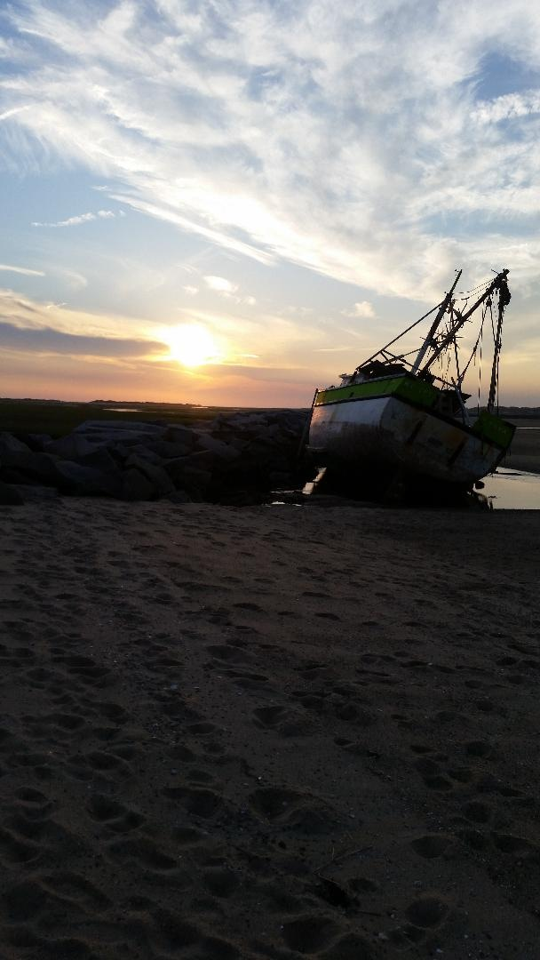 sunsetboat.jpg