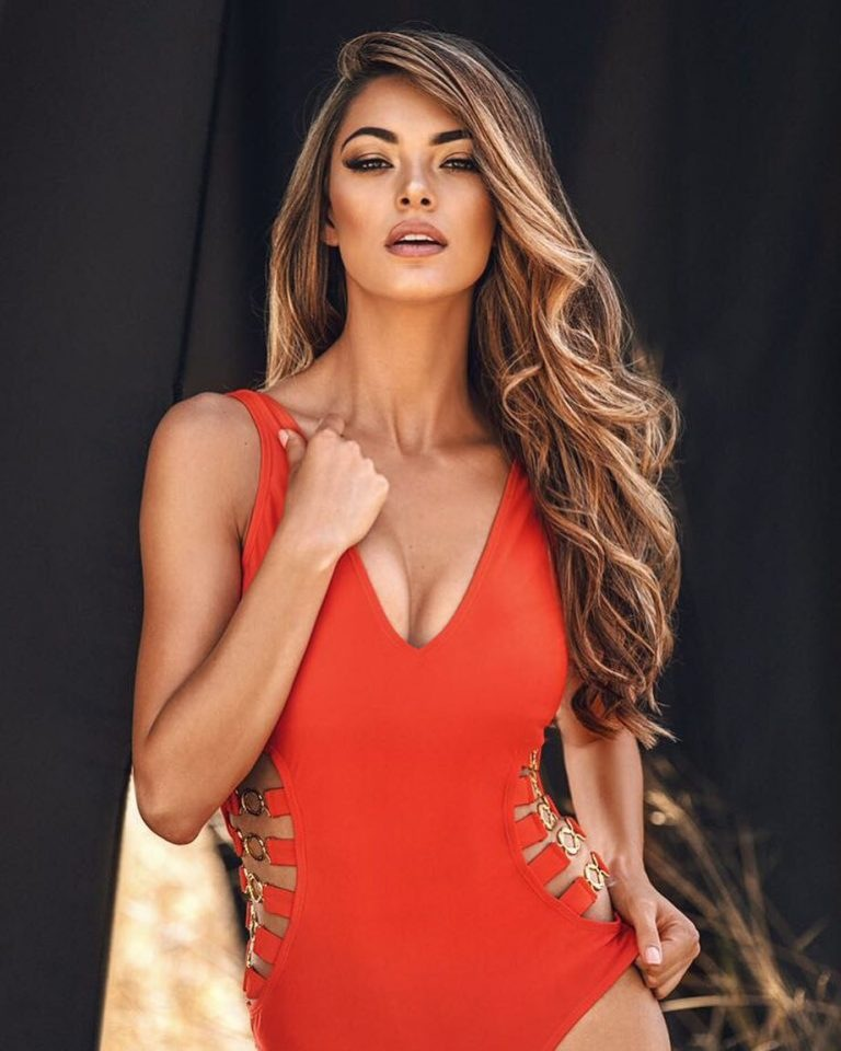 Demi-Leigh-Nel-Peters-Sexy-.jpg.8dcab22758cd72f27d95916e19e63ab1.jpg