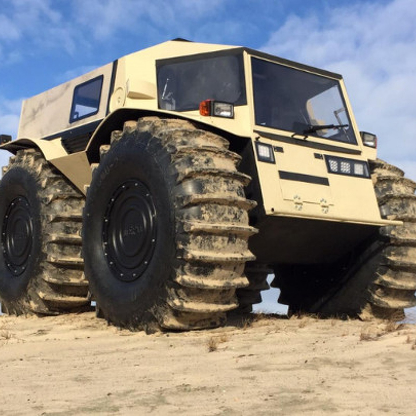 russian-sherp-is-the-ultimate-amphibious-4x4.jpg.ff6960a2c9fdc6bccbb1b22b48617ee1.jpg