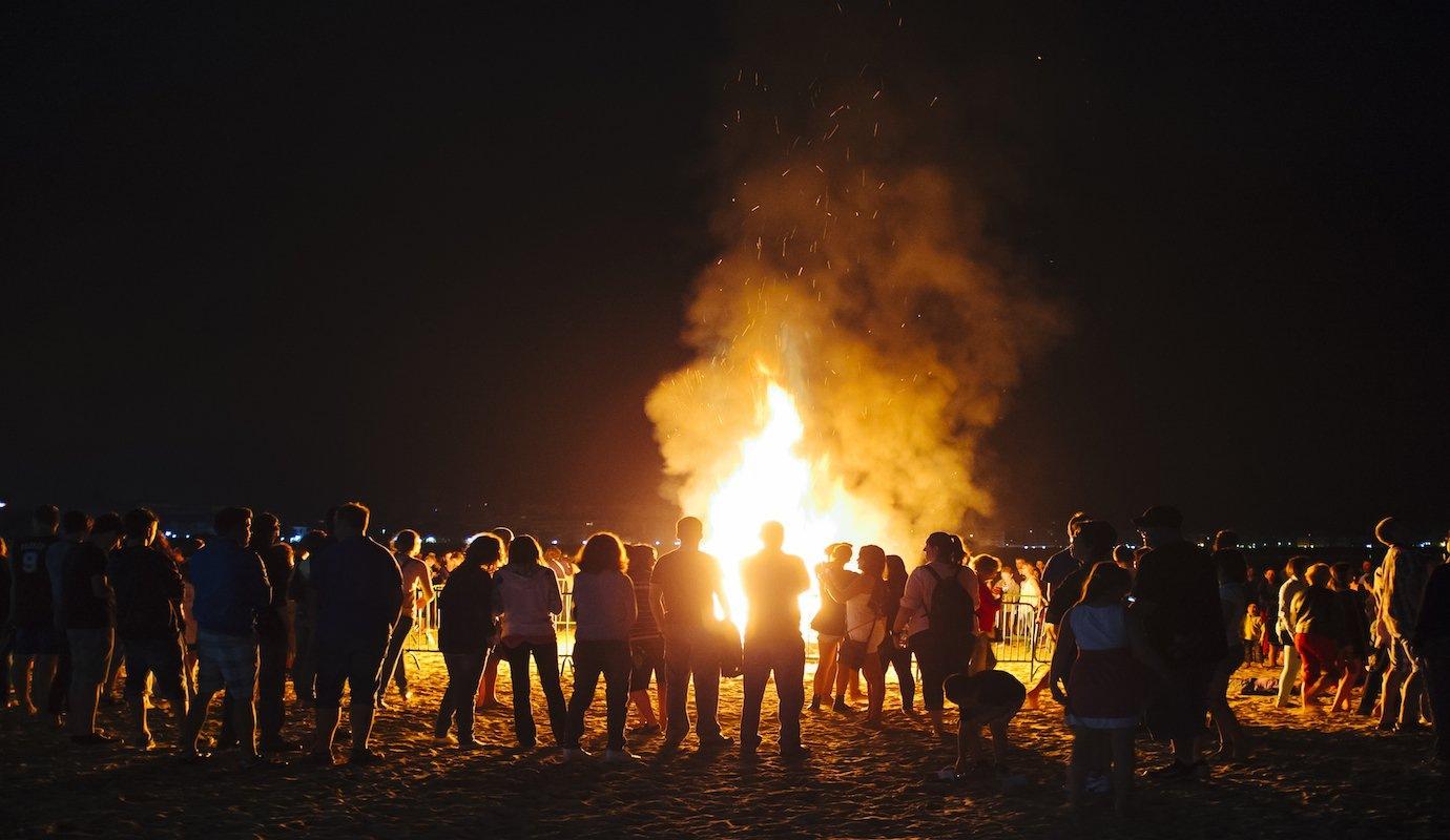 guy-fawkes-night-bonfire.jpg.294609ef2e5491444609f20d8e306222.jpg