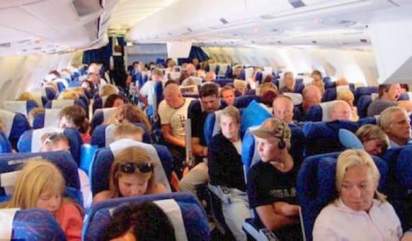 packed-airplane-600x351.jpg