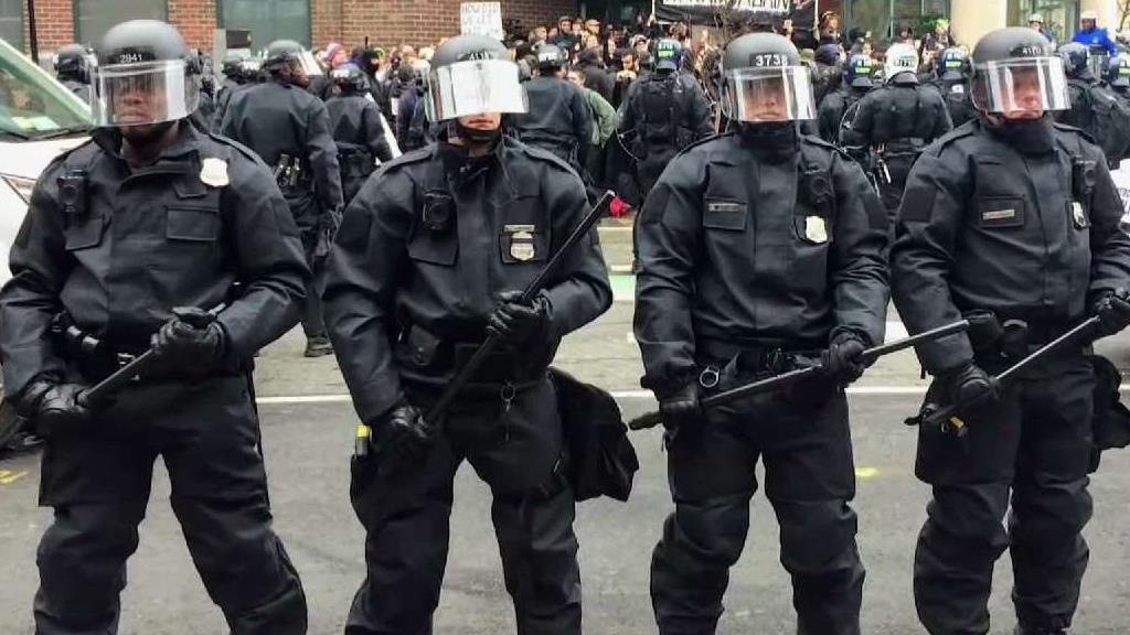 DC_Police_Response_to_Unrest_Will_Be_Reviewed-1.jpg.8d2361989eb542d7fa56b0aca075a748.jpg