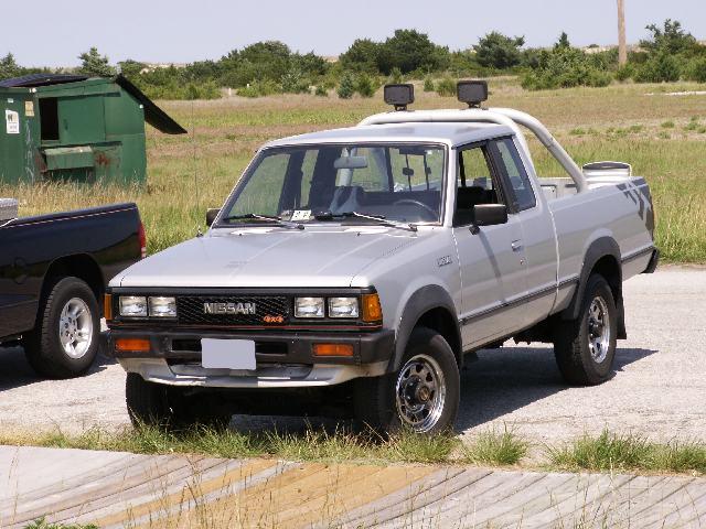 1985 1 2 z24 nissan 4x4 kcab sport truck opinions beach. Black Bedroom Furniture Sets. Home Design Ideas